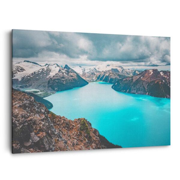 Mockup 3D Panorama turquoise dans les montagnes côtières