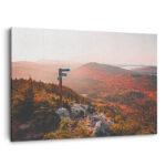 Mockup 3D Un levé de soleil automnale sur les montagnes frontalières