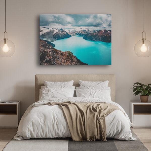 Mockup Chambre Panorama turquoise dans les montagnes côtières